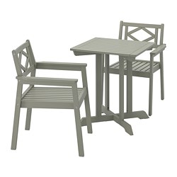 BONDHOLMEN - Table+2 chairs w armrests, outdoor, grey stained