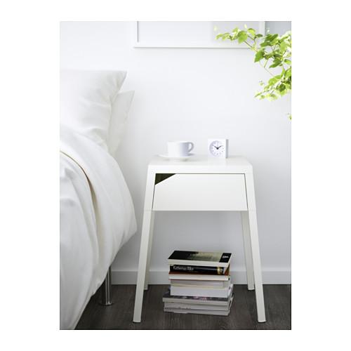 SELJE meja samping tempat tidur