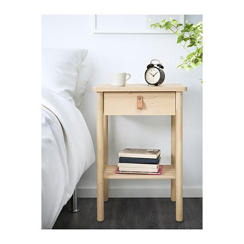 BJÖRKSNÄS meja samping tempat tidur