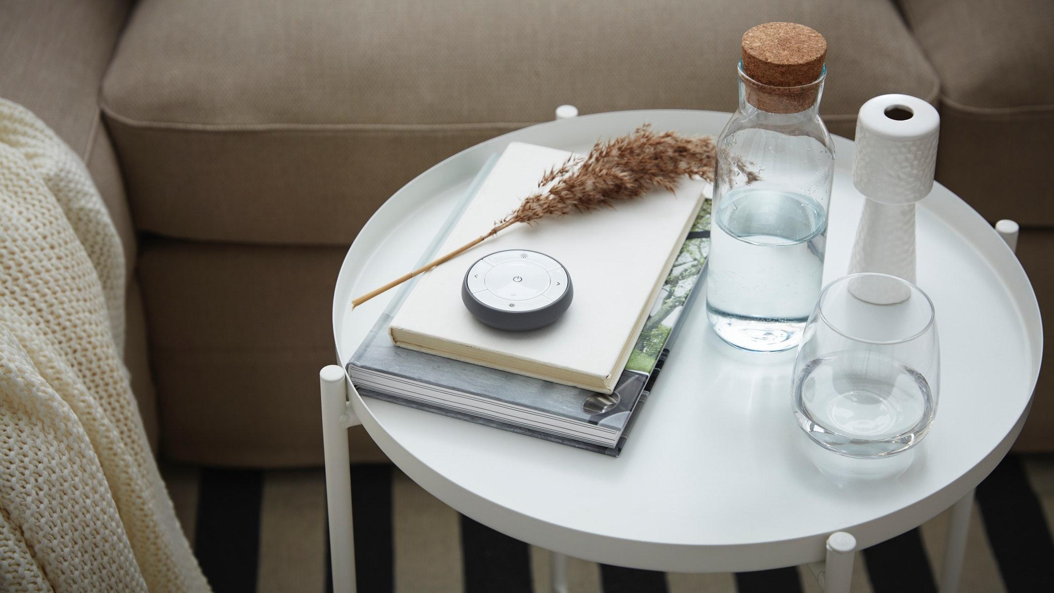 meja tamu dengan baki