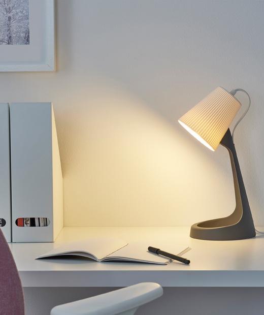 The IKEA SVALLET desk lamp, winner of a 2019 Red Dot Award