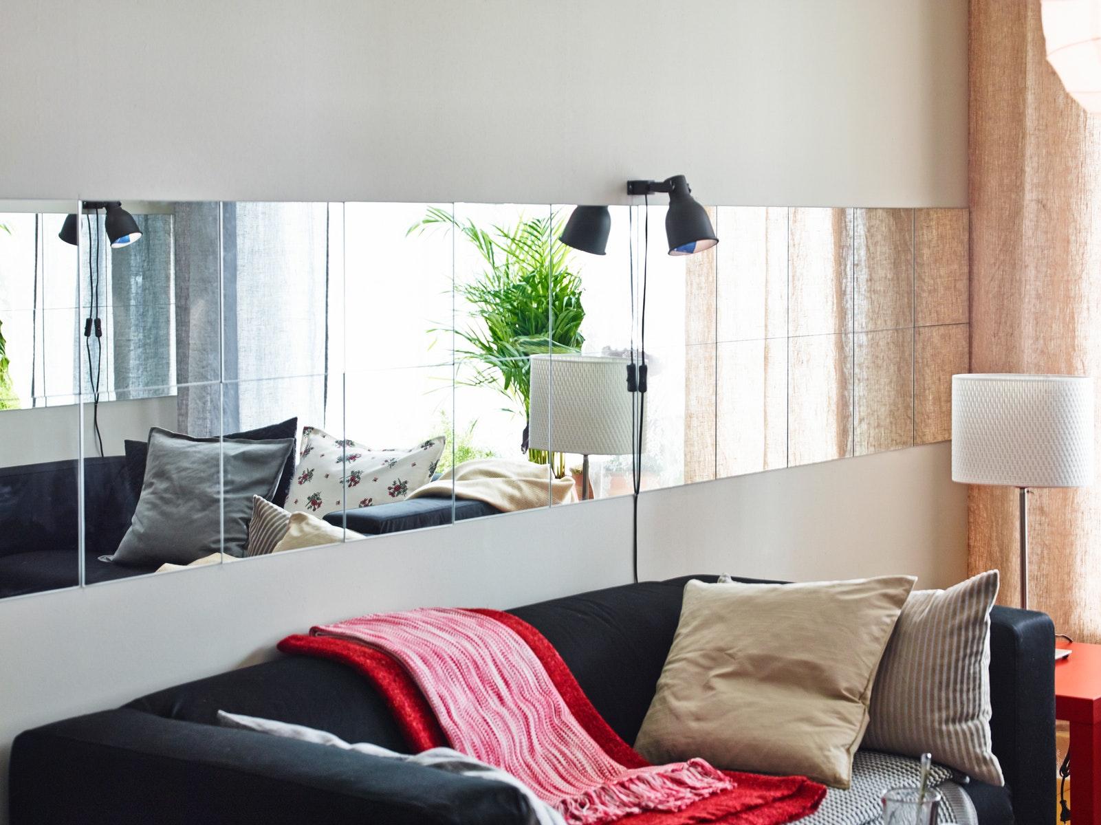 dekorasi ruang tamu minimalis dengan cermin