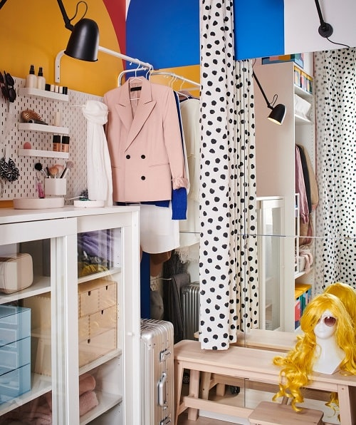 Inspirasi lemari pakaian terbuka