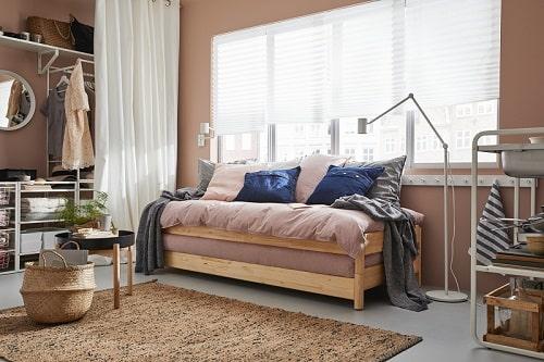 Sofa di siang hari ranjang nyaman di malam hari