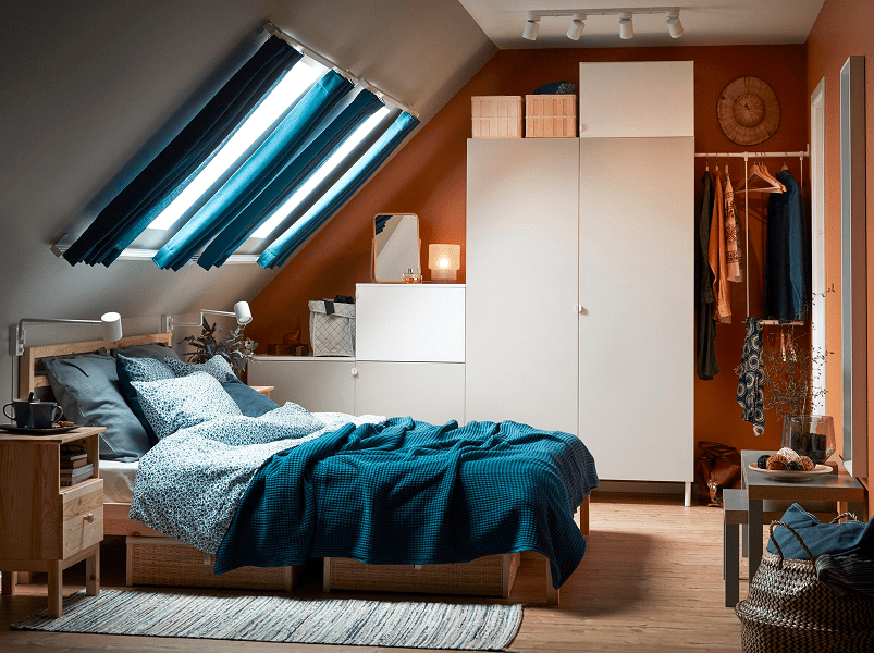 lemari pakaian dengan bentuk dinding kamar tidur