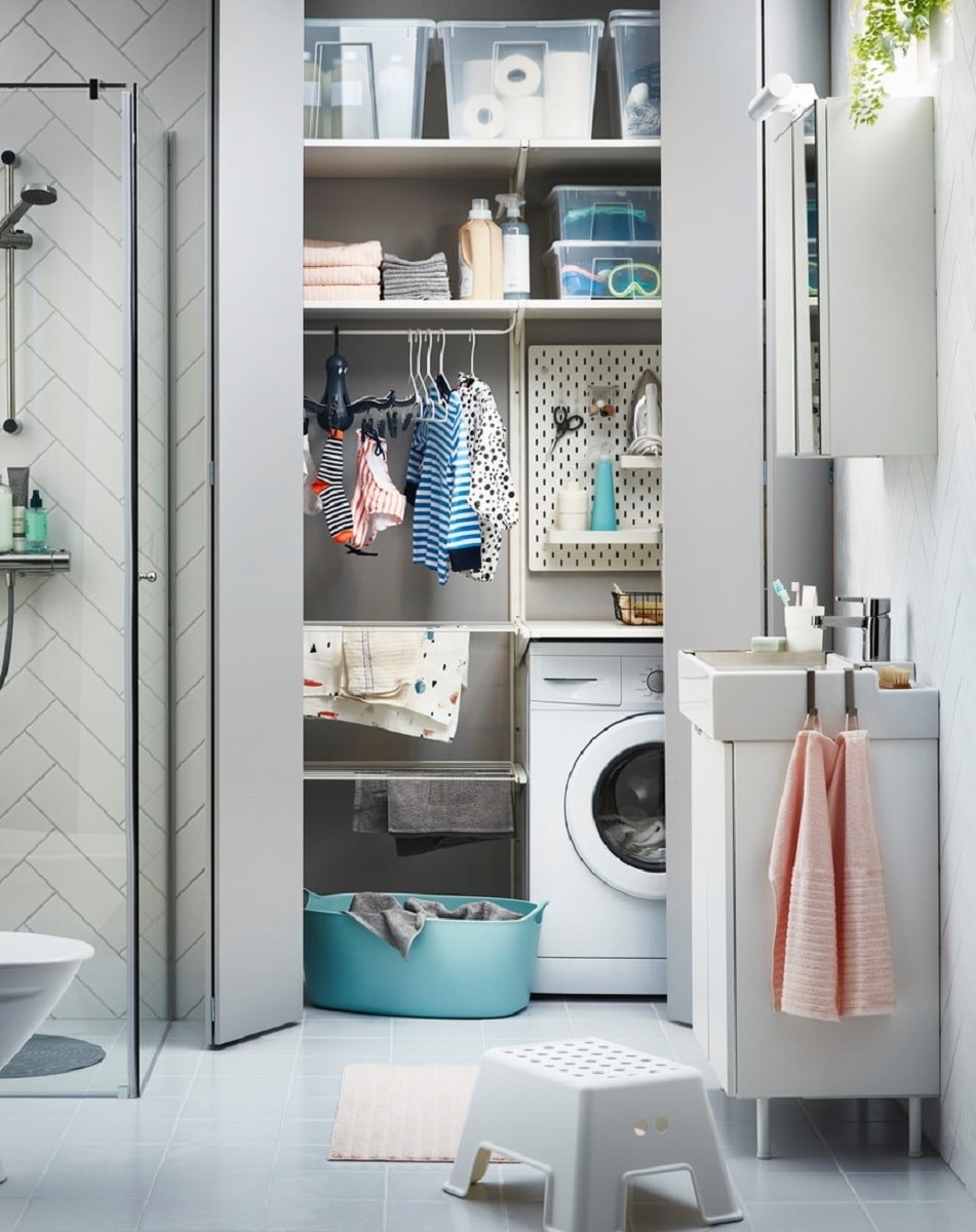 kamar mandi dan ruang laundry menjadi satu
