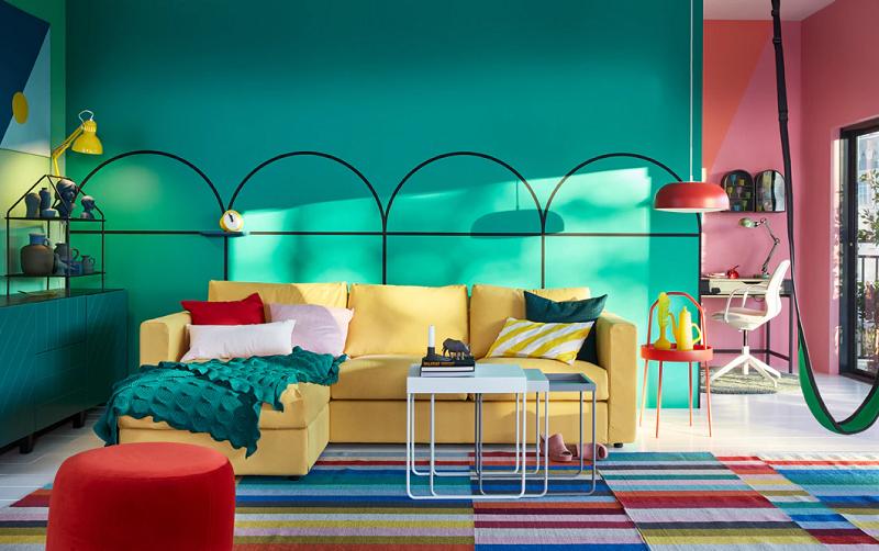 interior perabot warna berani