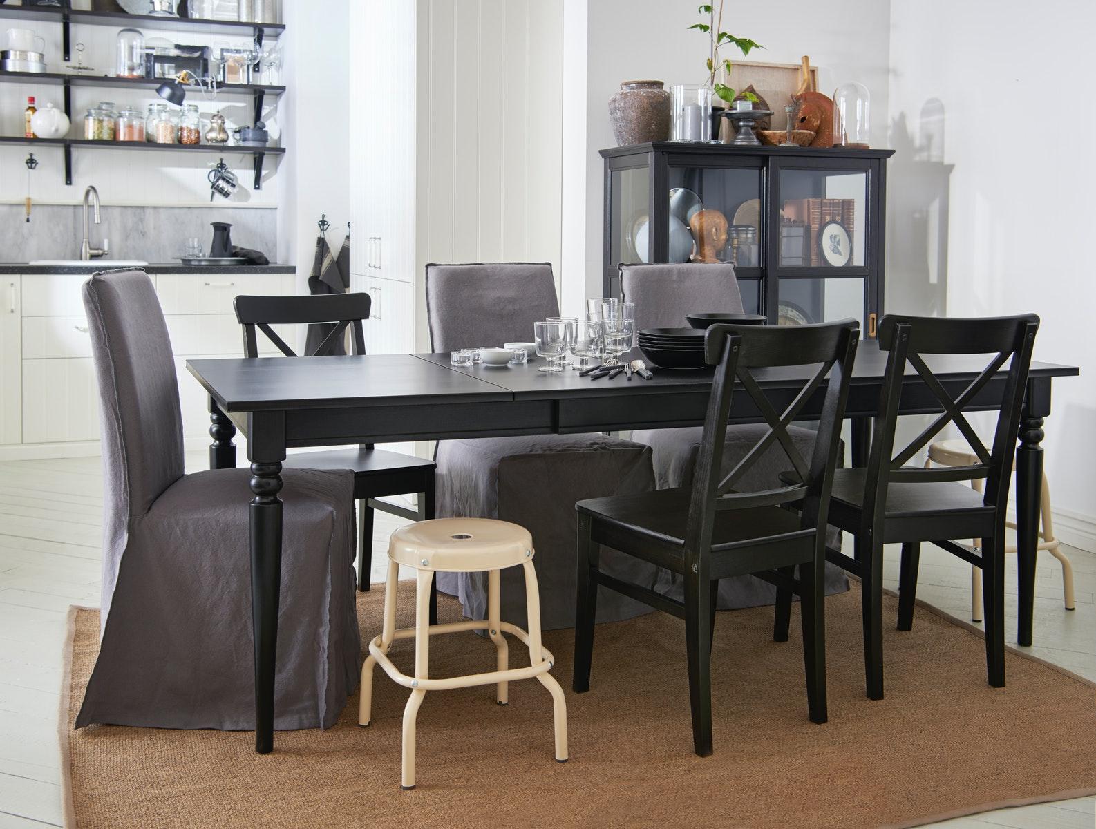 perabotan ruang makan teras