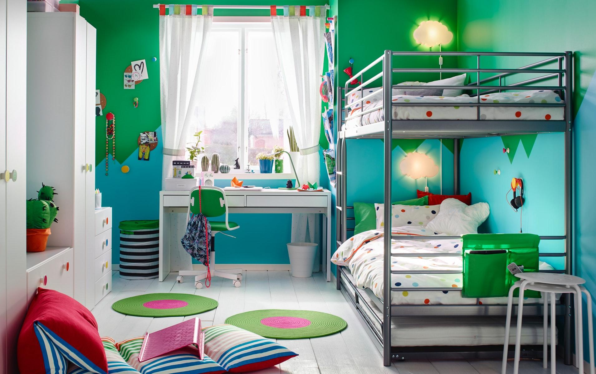 Tempat tidur tinggi
