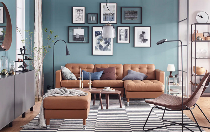 Sentuhan artistik di ruang keluarga Anda
