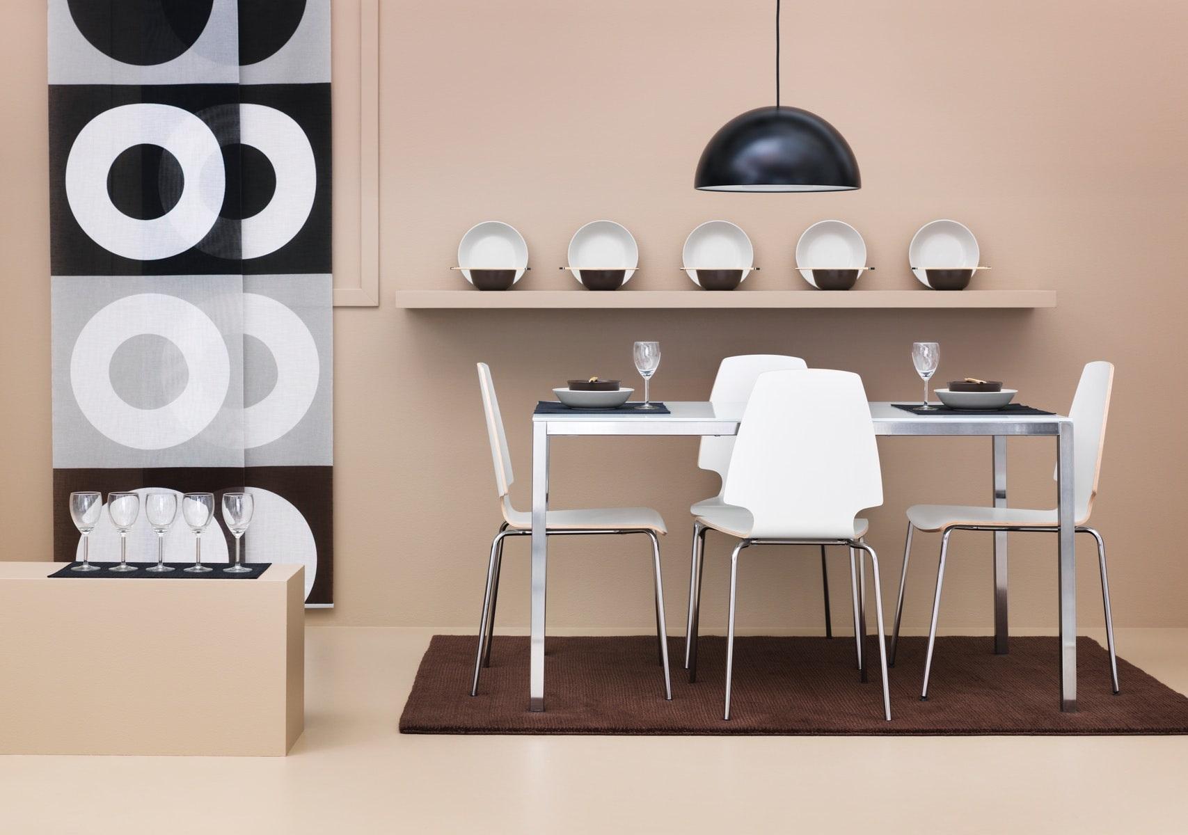 Hangatkan suasana dengan perlengkapan ruang makan pilihan