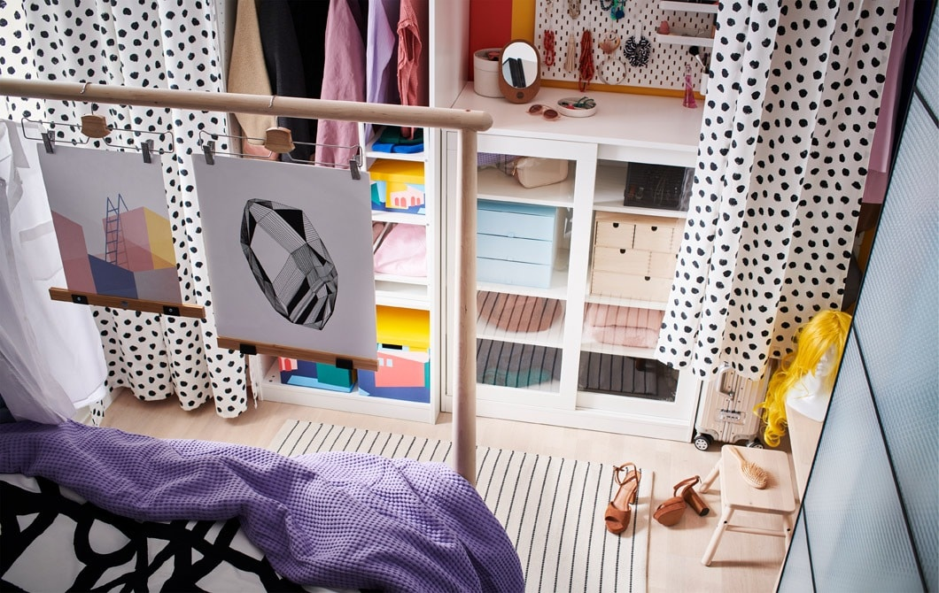 How to create a walk-in wardrobe in your bedroom