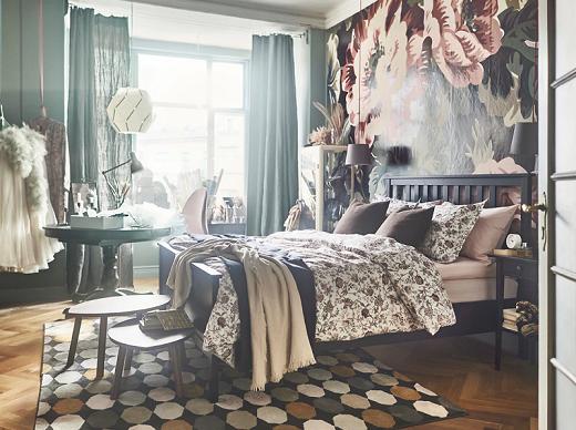 An eclectic bedroom