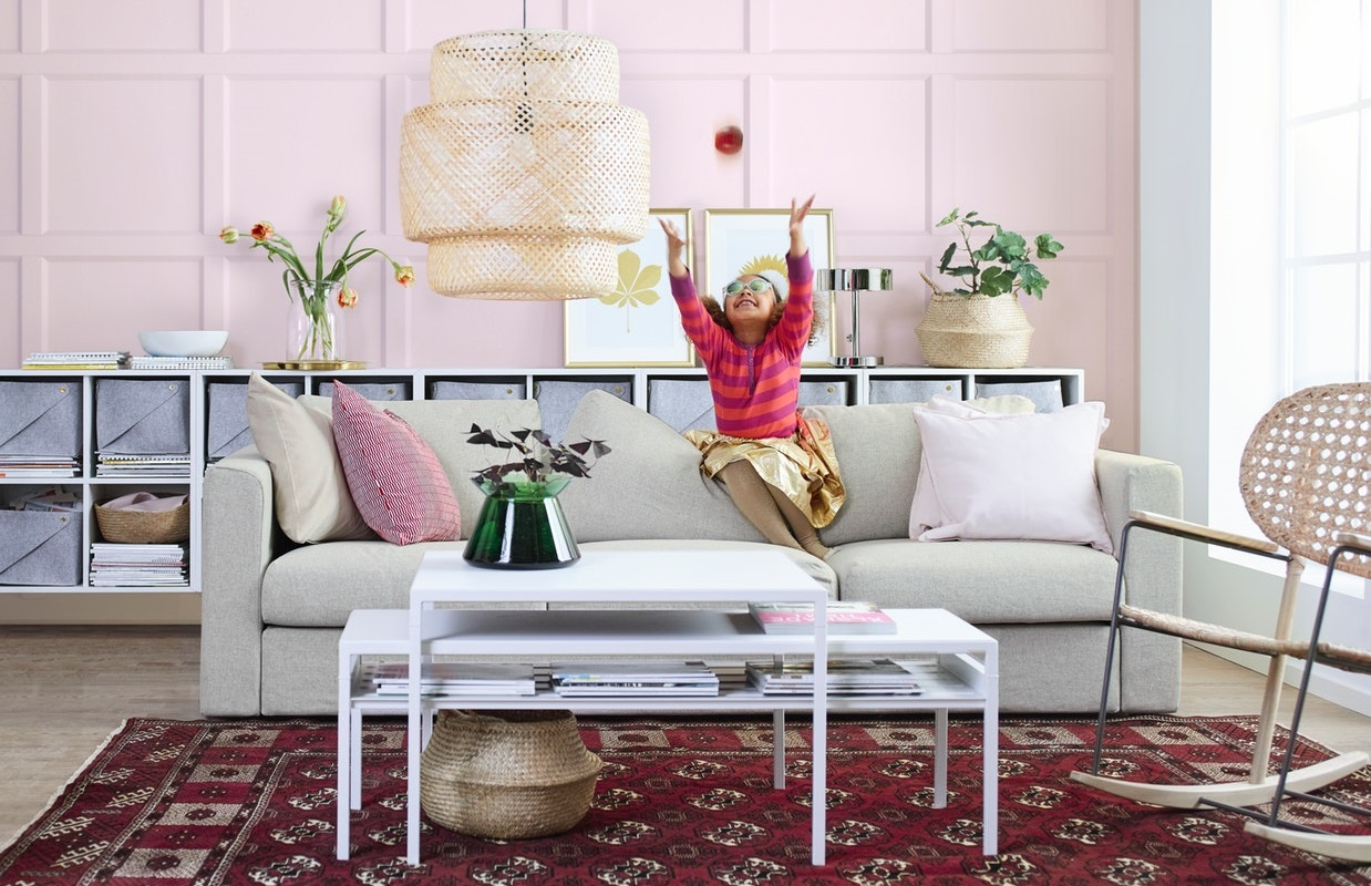 Smart ways to organize your living room
