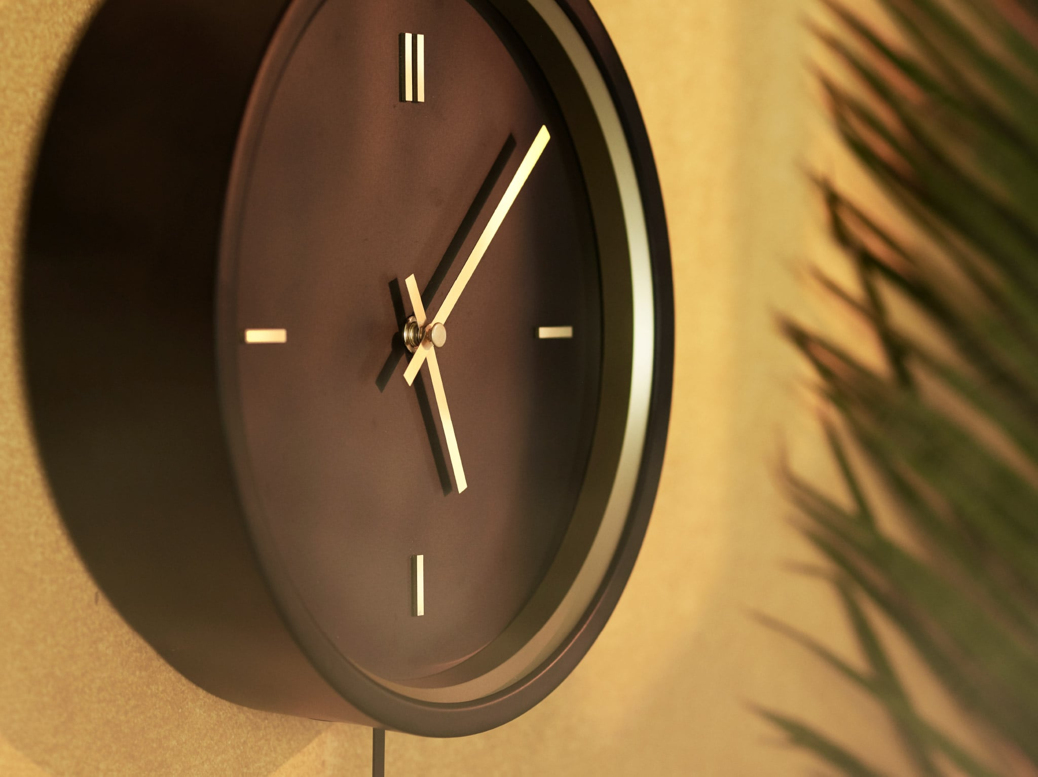 Tell the time with retro charm