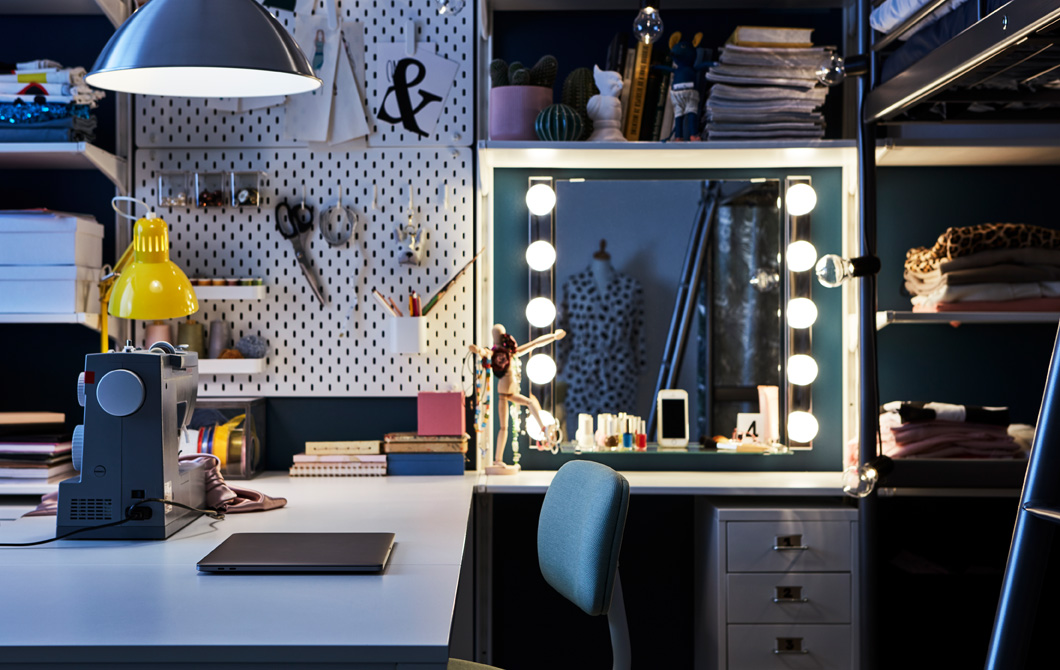 A room fit for a teenage fashionista