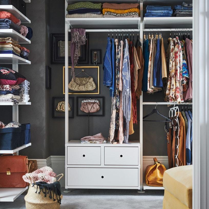 Koleksi pakaian dalam jangkauan
