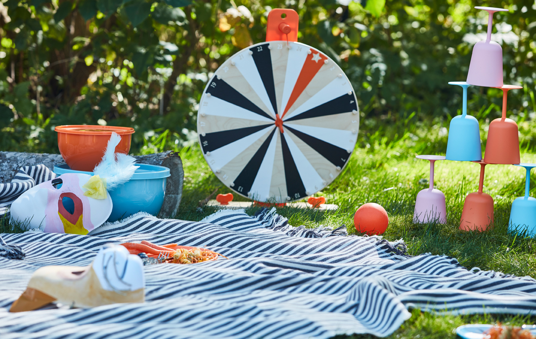 It's spring and you can picnic again