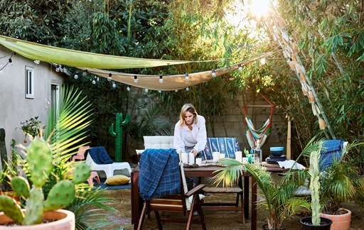 Home visit: host dinner and movies in the garden - IKEA