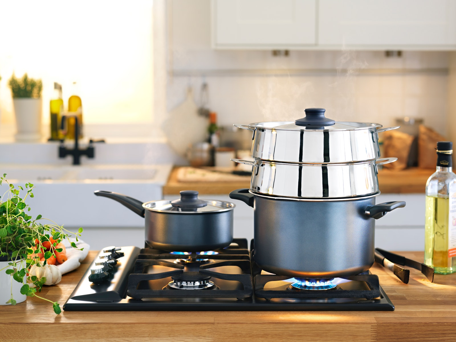 Save time when cooking Eid al-Fitr dishes with kitchen gadgets
