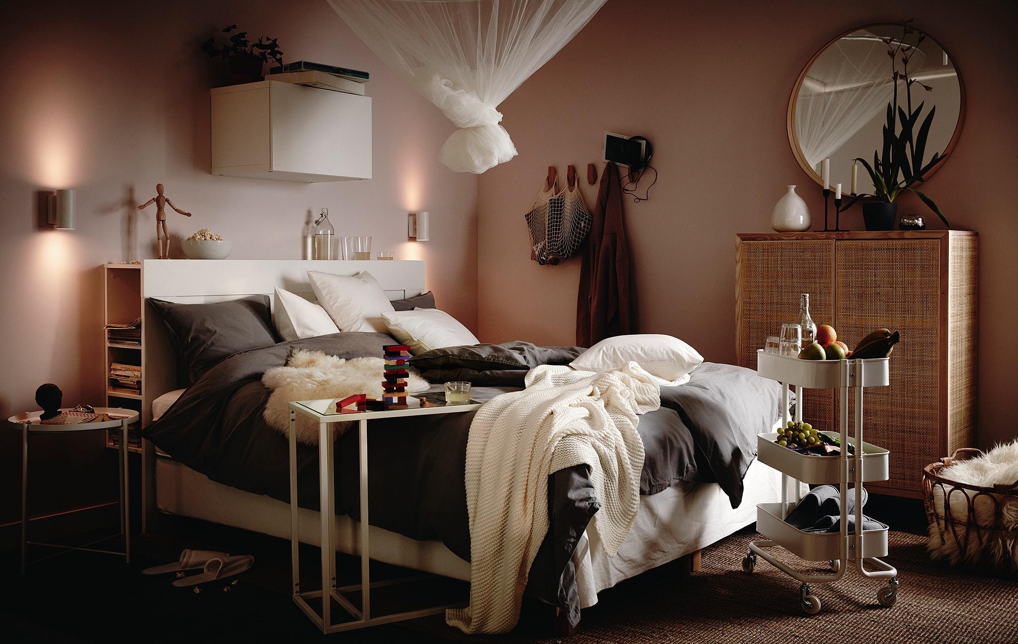 Ubah tempat tidur Anda menjadi tempat bersantai untuk keluarga