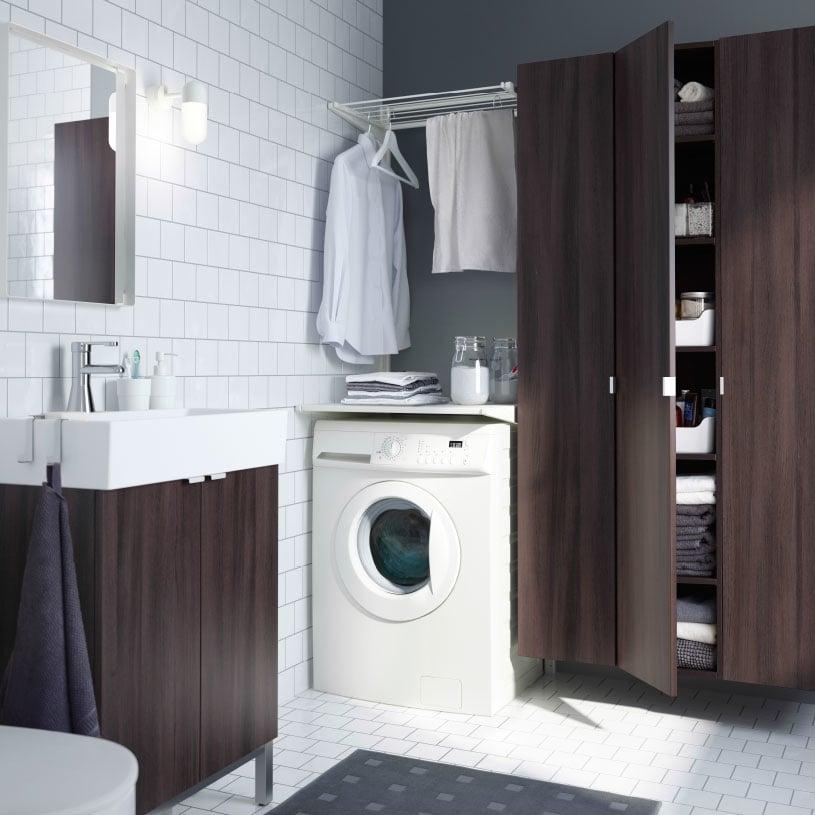Tambahkan area laundry di kamar mandi Anda